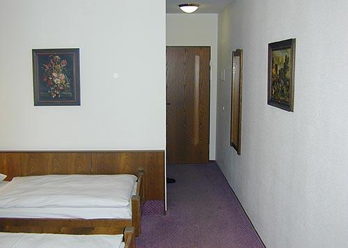 Hotelzimmer Balance im Hotel Zugrücke Grenzau vor Umbau Heiderich Architekten Lünen