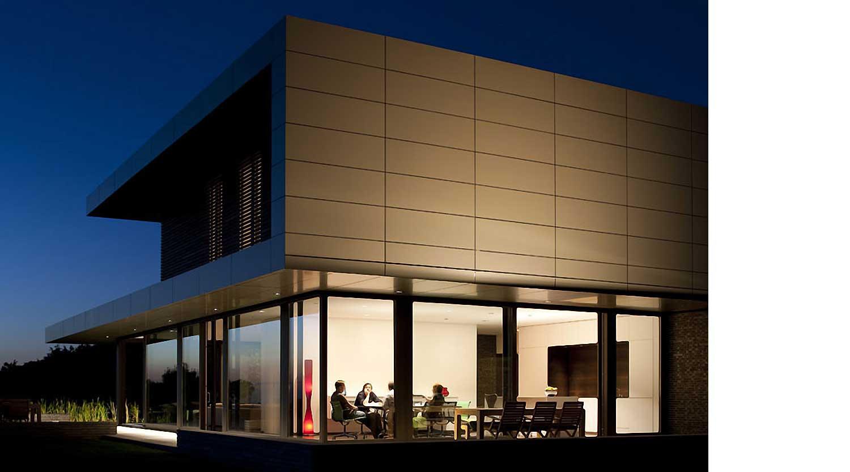Heiderich Architekten, Lünen, Haus P, Dortmund Ahlenberg, Südfassade mit Licht