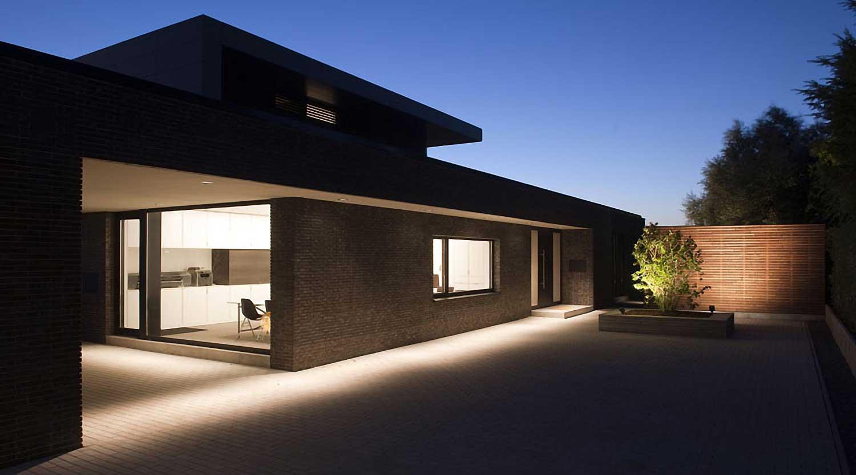 Heiderich Architekten, Lünen, Haus P, Dortmund Ahlenberg, Einfahrt mit Licht