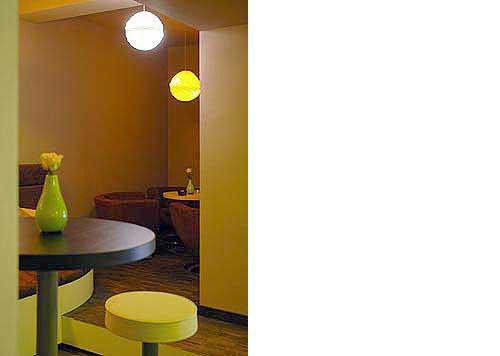 Club Yellow im Hotel Zugrücke Grenzau Detail Heiderich Architekten Lünen