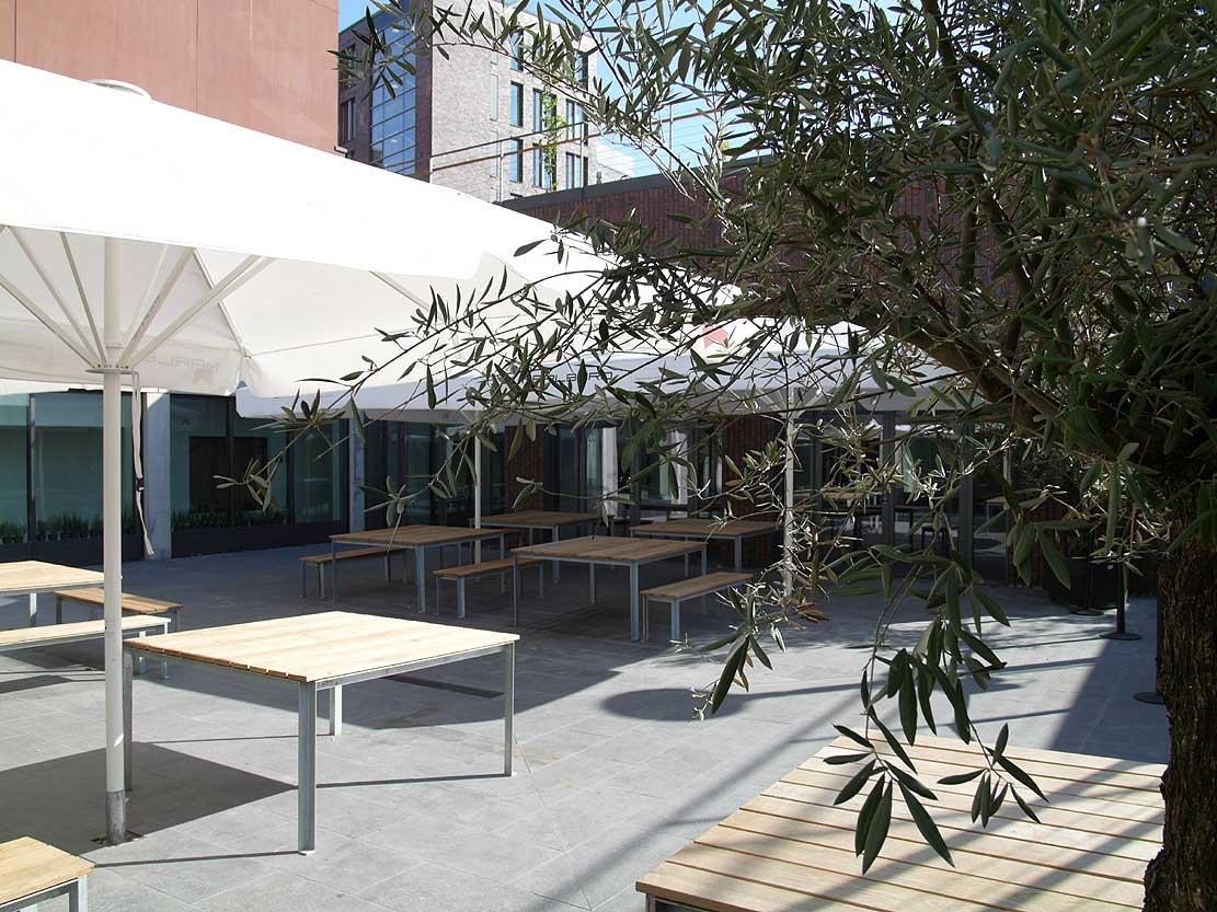 Restaurant Emil im U Dortmund Innenhof Heiderich Architekten Lünen